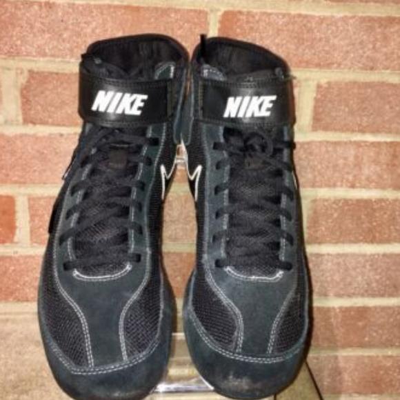 the latest 7d75a f9994 Nike Mens Speed Sweep VII Wrestling Shoes Black. Nike.  M 5cb0f3dabb22e326f842e67a. M 5cb0f3da8557af62a1299781.  M 5cb0f3da969d1f2557556f55